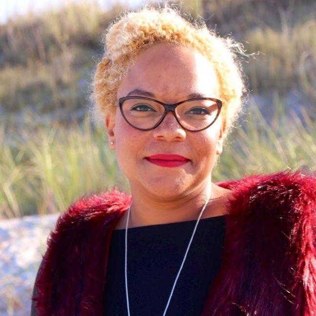 Liz Akuéson